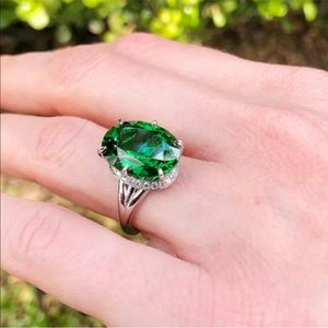 Elegant Oval Cut Emerald 925 Sterling Silver Ring